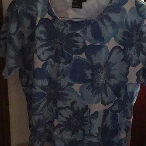 Short sleeve blue flower top